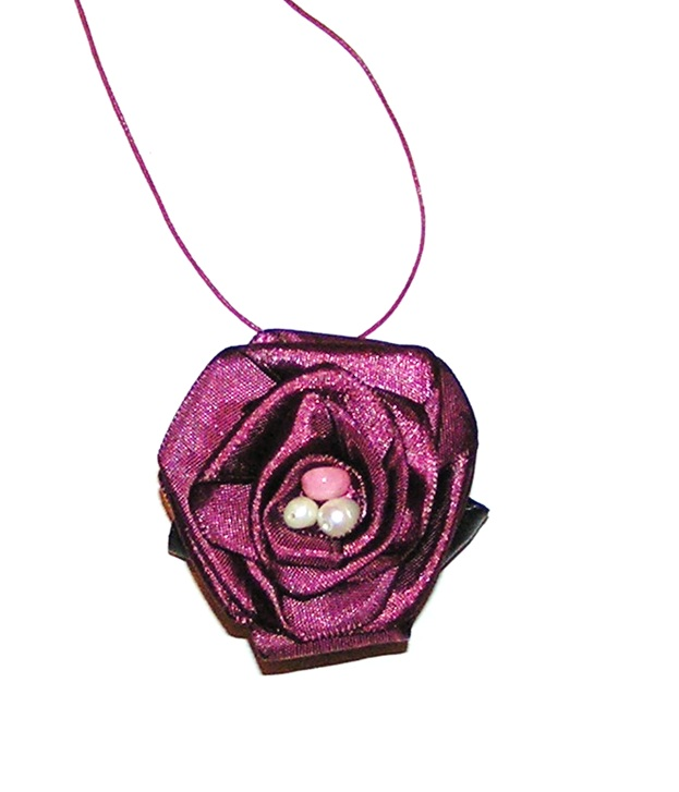 recycling paper: pendant black rose